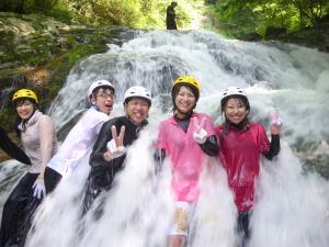 真夏の爽快水遊び!シャワートレッキング